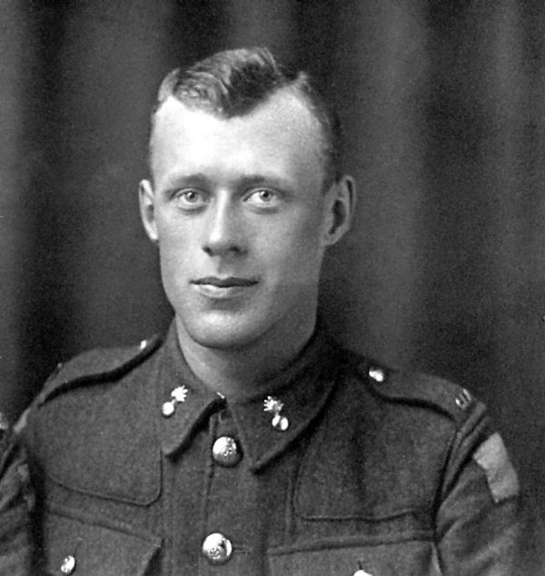 William Wesley Storing 18th Battalion: Son of James E. and Rosabell Storing, of Pembroke, Ontario. Native of Renfrew Co., Ontario. KIA at 21 December 1915.