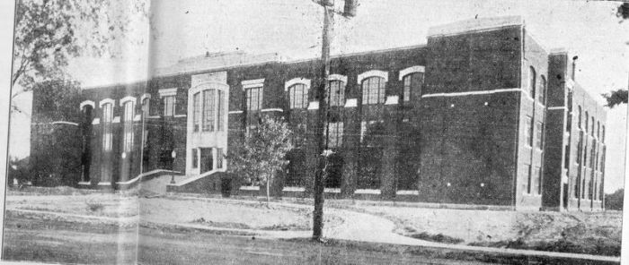 Sarnia Collegiate Institute & Technical School in 1922
