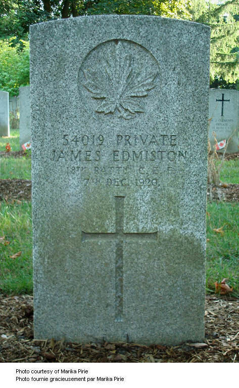 Grave Marker: photo from CVWM and credited to Marika Pirie.