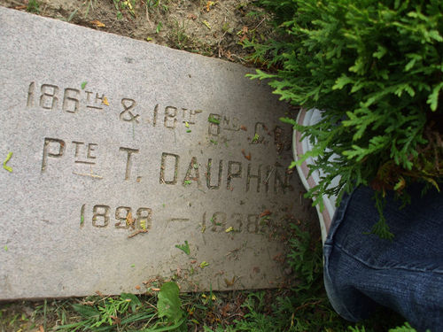 186th & 18th Bn. C.E.F. Pte. T. DAUPHIN 1898 - 1938 ROW 7