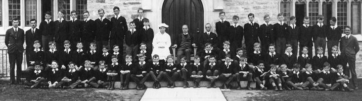 1925 Trinity School Picture with Boulden