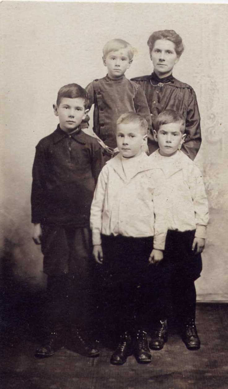 Family photo – Wife Valentina Burton and children left to right, Charles 7 years, in mother's arms, Samuel 3 years, Lawrence 5 years, and twin Sidney Jr. 5 years. The twins turned five years on October 29th 1916. Source: CVWM