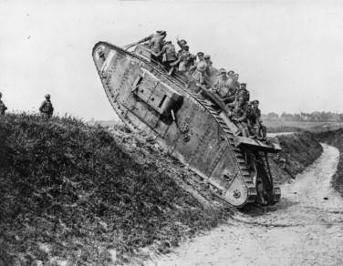 british-soldiers-enjoy-a-jaunt-on-a-british-mark-iv-tank-during-world-war-i-800x620