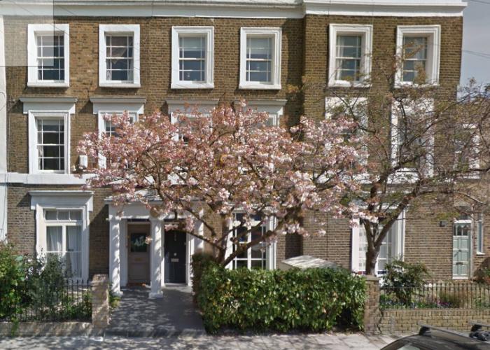 124-de-beauvoir-address-door-to-left-of-tree
