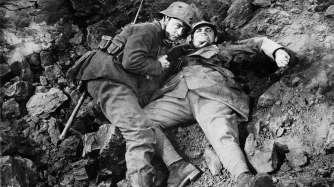 """Film: All Quiet on the Western Front Dir: Lewis Milestone Date: 1930 US SOURCE CREDIT - """"BFI COLLECTIONS"""" Reproduction of this image requires the appropriate copyright clearence. In making this image available, the BFI confers no licence to use or copy the image. All copyright clearence is the responsibility of the user. In consideration for making this image available, the user hereby agrees to indemnify the BFI against any claim or liability arising from the use of this image. The information service of the BFI National Library may be able to carry out copyright ownership research on your behalf. Fax +44 020 7436 0165 for details of services and costs. British Film Institute 21 Stephen Street London W1P 2LN Tel +44 020 7255 1444 www.bfi.org.uk"""