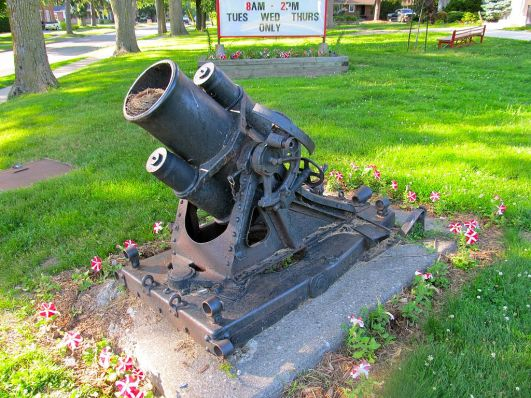 1024px-25cm_minenwerfer_Waterford_Ont_4