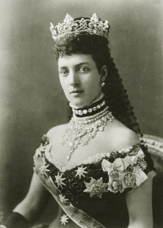 800px-Queen_Alexandra,_the_Princess_of_Wales